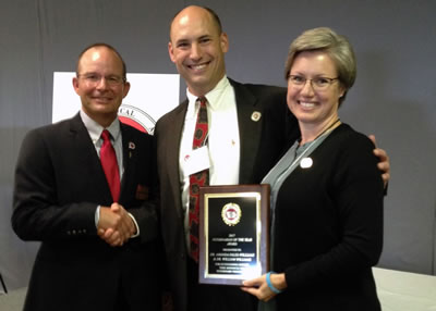 On Friday, September 22, 2017, at the IVMA Annual meeting and luncheon, President Mitch Hiscocks DVM awarded the Veterinarian of the Year jointly to Dr. Bill Williams, Class of 95 and Dr. Amanda Fales Williams, Class of 95.