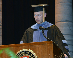 Clifford Miller, DVM, president of the Missouri Veterinary Medical Association and a member of the CVM Class of 2000, administered the Veterinarian's Oath to the new graduates.