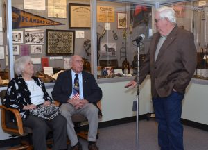 Bill Jones thanks William Wolff with whom he helped build the Missouri Volunteer Veterinary Corps.