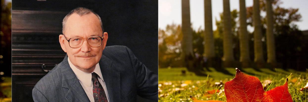 Alumnus and Former Faculty Member Lloyd Davis Passes Away at 92
